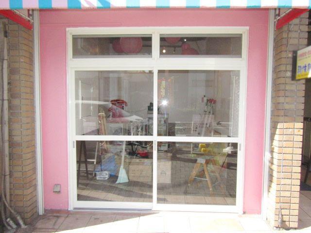 愛知県名古屋市中区 店舗入口の引戸新設 リフォーム工事