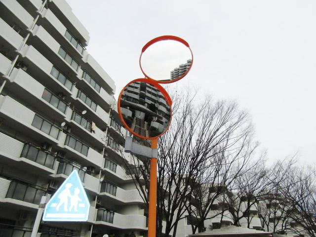 愛知県名古屋市千種区 カーブミラー補修工事 マンション駐車場